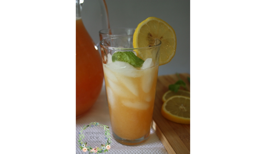 How to Make a Fresh and Easy Peach Lemonade